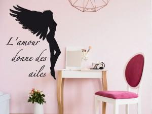 Sticker L'amour donne des ailes